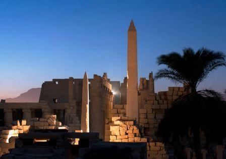 http://files.comunidades.net/oportaldateologia/Obelisco_de_Hatshepsut__Karnak_1a.jpg