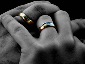 dedos anéis