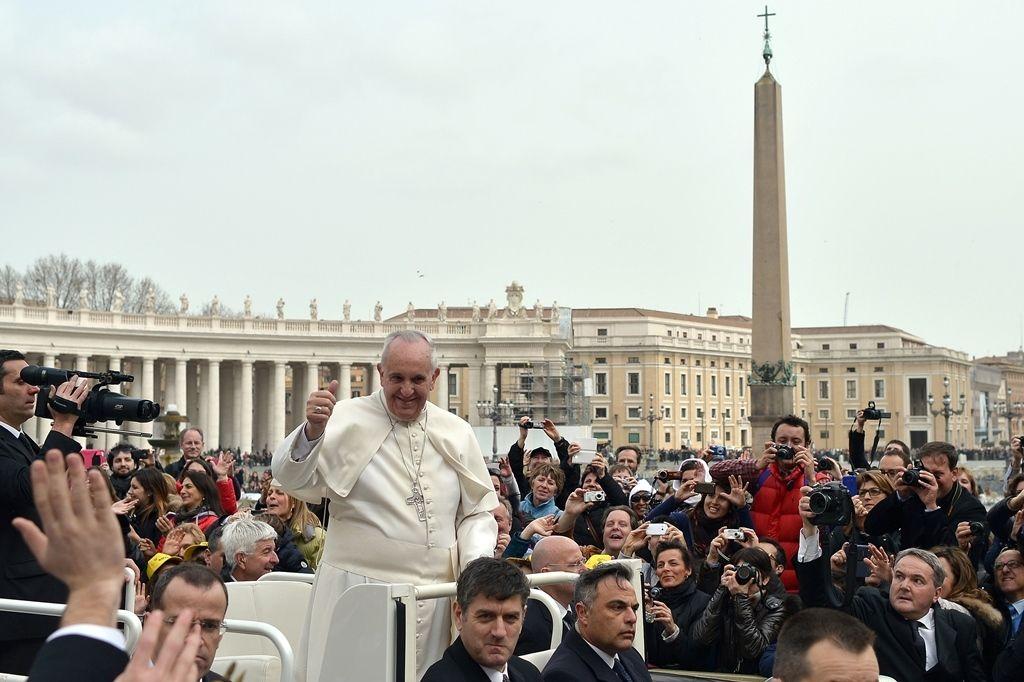 Ataque ocorreria na quarta-feira, dia em que o Papa celebra a audiência geral na praça de São Pedro / Gabriel Bouys/AFP